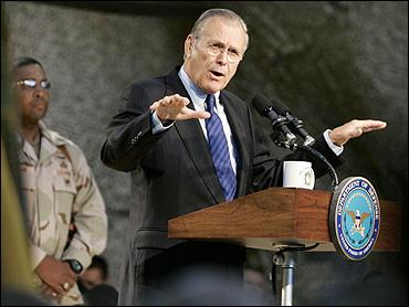 布什称不会在任内换掉拉姆斯菲尔德