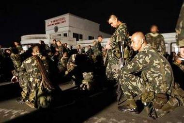 菲律宾海军陆战队与军警对峙导致全国学校停课