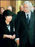 米洛舍维奇夫人称海牙法庭杀死自己丈夫