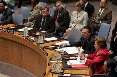 安理会一致通过伊朗核问题声明各方均做出让步