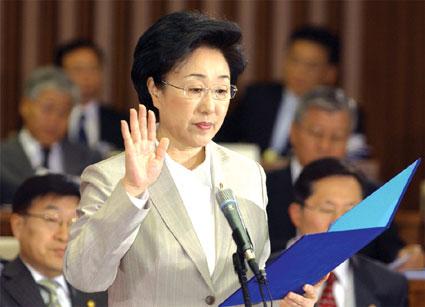 韩国首位女总理曾经坐过两年牢(图)