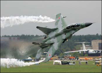 俄罗斯表示将增加驻吉尔吉斯斯坦空军力量(图)