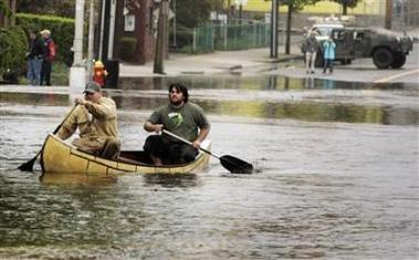 美国遭遇70年最严重水灾数百人撤离(图)