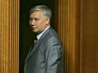 乌克兰总理叶哈努罗夫递交辞呈(图)
