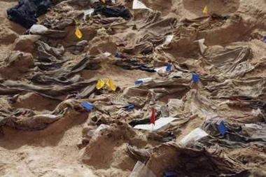 巴格达沙漠发现万人坑死者被屠杀或活埋(组图)