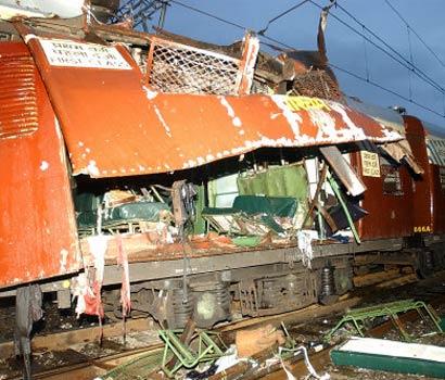 组图:印度孟买发生系列爆炸至少104人死亡