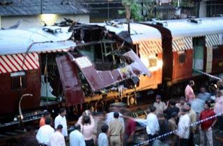 印度火车爆炸已造成至少135人死亡250人受伤