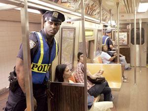 印度火车爆炸已有200人死亡疑为恐怖组织唆使