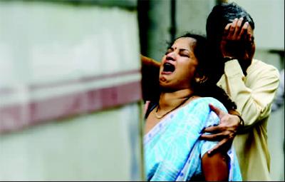 记者目击孟买爆炸:当地人积极前往医院献血(图)