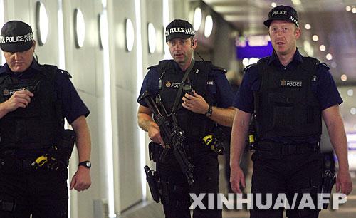 英国挫败炸机阴谋后多个国家加强航班安全措施