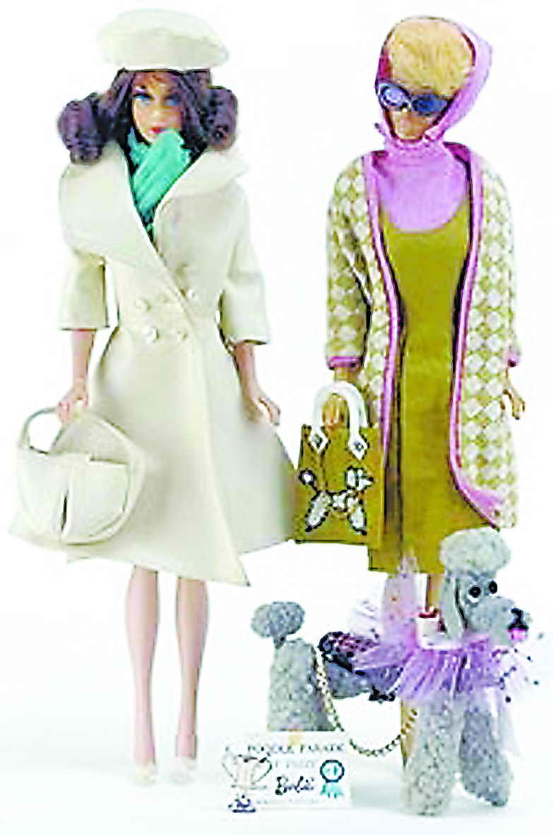 芭比的服装设计师不乏世界级设计大师,除迪奥外,法国大师纪梵希和