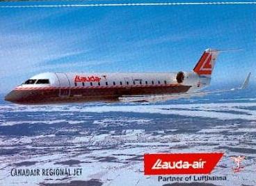 资料图片:飞行途中的CRJ-100型客机