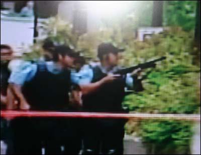 加拿大蒙特利尔校园枪击案2名开枪者已死亡(图)(2)