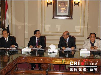 中国与开罗大学签署合作建设孔子学院意向书