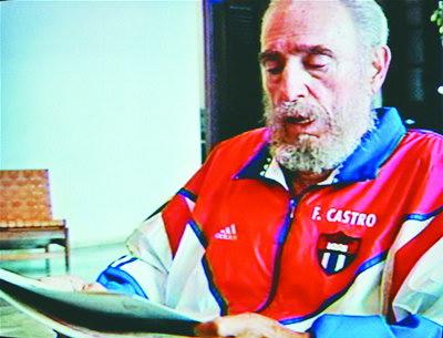 卡斯特罗现身回击去世谣言欲在三周内恢复职权