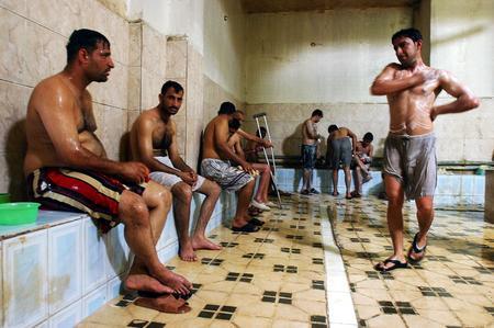adorazione piedi gay massage rome italy