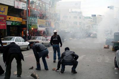 以色列士兵与巴勒斯坦人枪战35人死伤(组图)