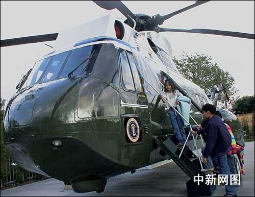 旅美华人欢度美国总统日 缅怀邓小平(图)(2)_新