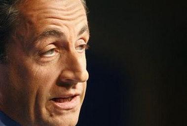 萨科齐今日将就任法国总统(图)