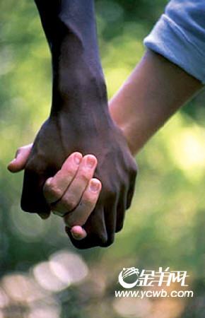 尴尬黑白配--美国跨种族婚姻期待平和目光