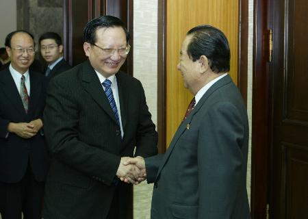 图文:唐家璇与朝鲜外务相白南舜会谈(1)