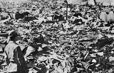 资料图片:日本广岛市被原子弹炸后的景象