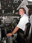 图文:失事的哥伦比亚客机飞行员生前照片
