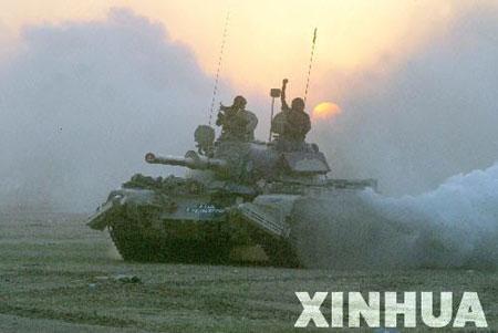 组图:印度军队举行向公众开放的演练