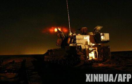 组图:以色列军队炮轰加沙地带北部无人居住区