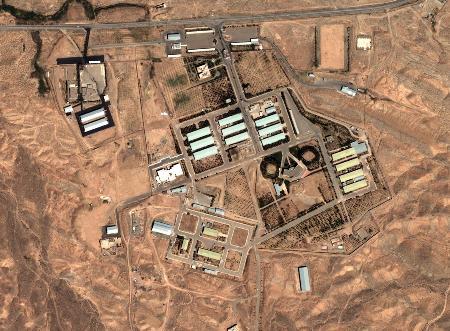 图文:军事基地的卫星照片