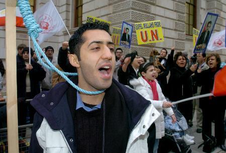 图文:示威者集会