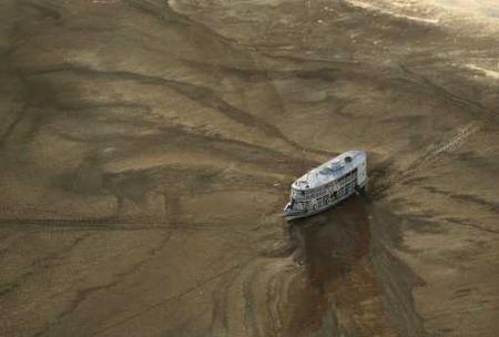 图文:干旱的亚马逊河(自然类组照三等奖)