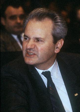 资料图片:米洛舍维奇在贝尔格莱德