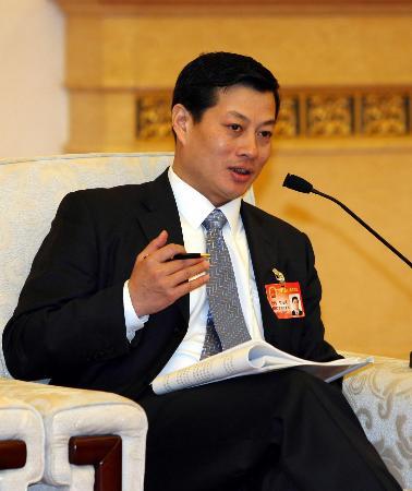 图文:人大代表竺延风表示做有国际竞争力企业