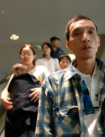 图文:几位中国公民在回国途中经停悉尼