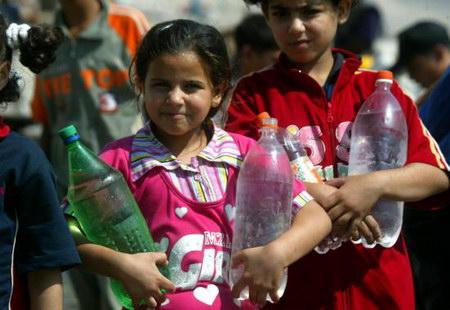 组图:加沙地带巴勒斯坦人面临严重物资缺乏