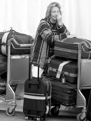 英国反恐丢失上万件行李缘因管理混乱盗贼猖獗