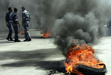 组图:巴勒斯坦安全部队抗议政府拖欠工资