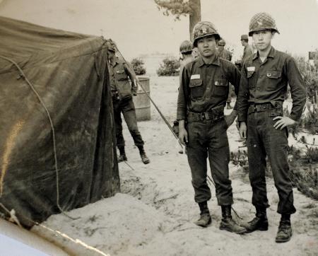 图文:潘基文服兵役期间的资料照片
