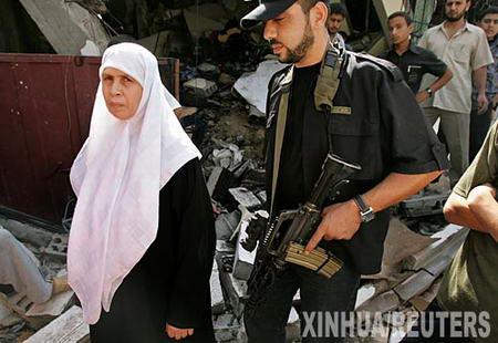 组图:以军发射导弹炸毁巴立法委员住宅