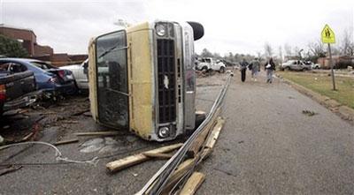 美国龙卷风遇难人数升至19人(组图)