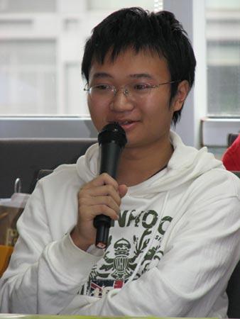 图文:05年江西理科状元傅必振在交流会上发言