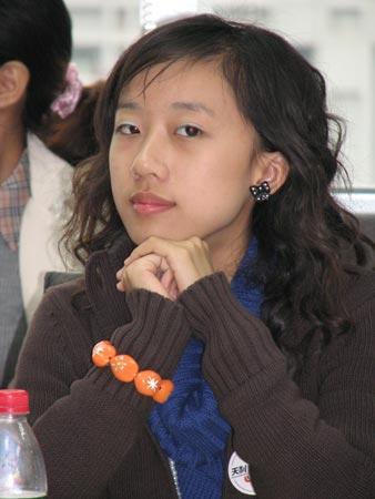 图文:2006年海南文科状元叶婧在交流会上