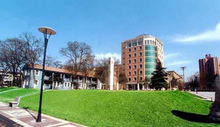 西安外国语大学:老牌高校今年更名(图)