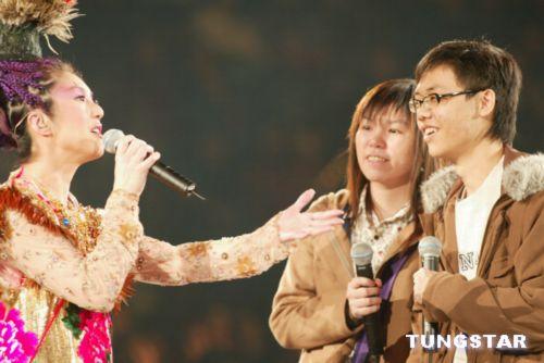 图文:杨千嬅演唱会圆满结束图片