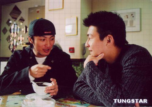 日前由王晶执导,谢霆锋,陈冠希等主演的电影《新扎师兄之青年干探》已