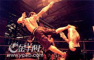 《拳霸》镜头血腥暴力未成年人需家长陪同(图)