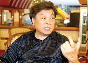 赵忠祥要求重新鉴定笔迹提供多份手写稿(附图)