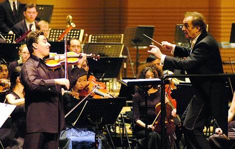 北京国际音乐节落幕马克西姆指表抱歉下台(图)