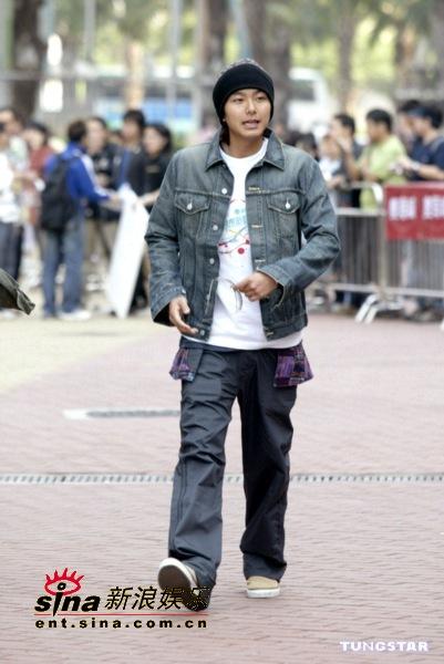 图文:香港年度音乐大奖候选出炉李克勤获大奖(5)